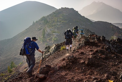 What Are Some Lifesaving Tips for an Amateur Hiker?